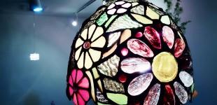 ステンドグラス調の照明